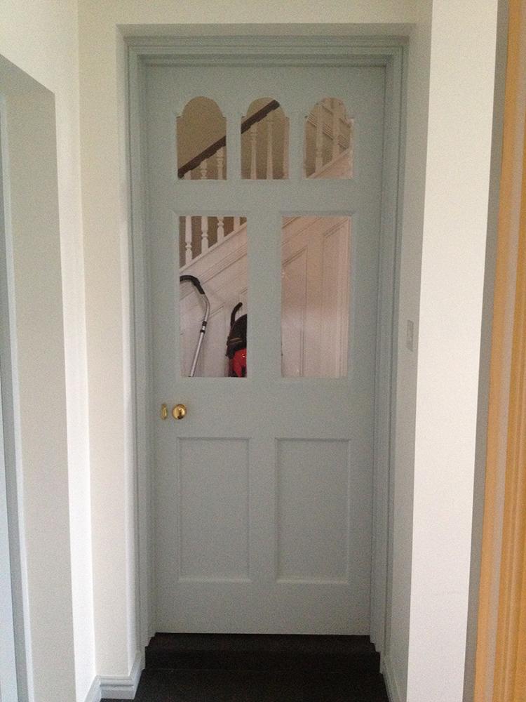 Castleated door