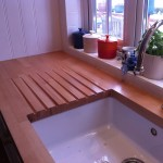 Drainer in solid wood worktop